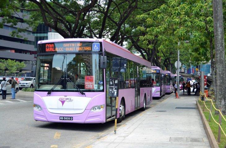 bus go KL ke Petronas