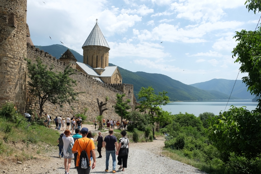 Perjalanan ke Kazbegi