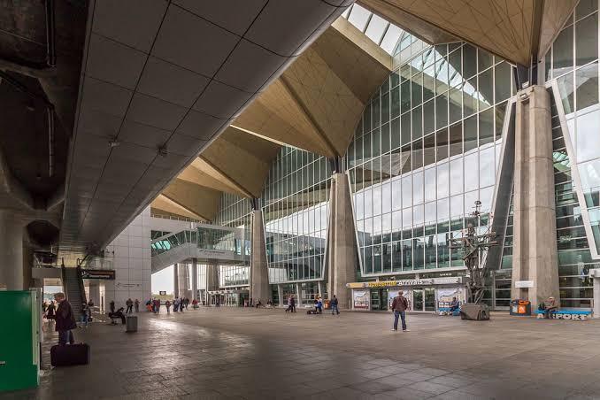 Bandara St Petersburg