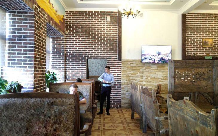 Chaykhana, Restoran halal di Rusia